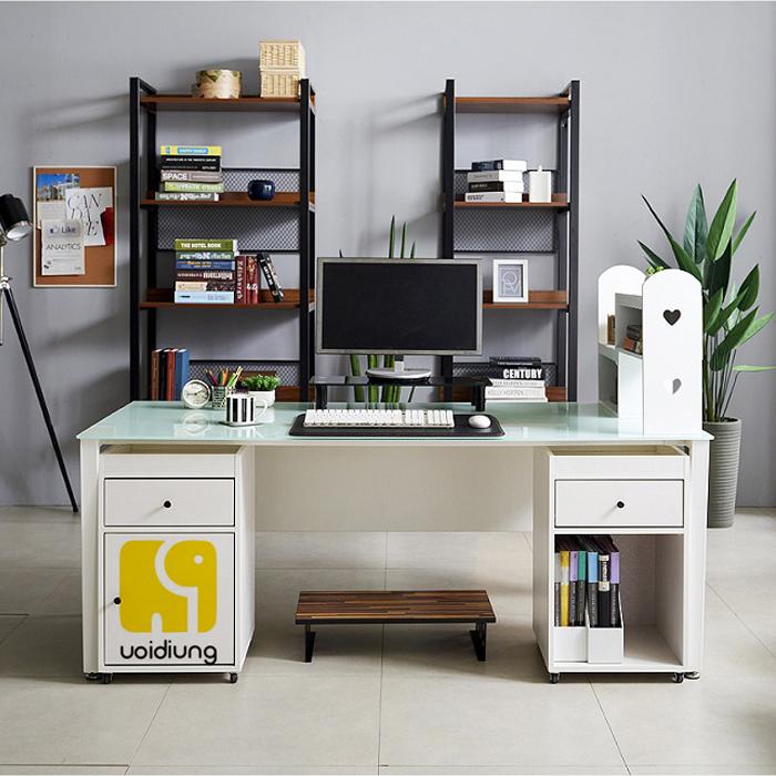 Bàn ghế văn phòng thích hợp cho các công ty mới thành lập.