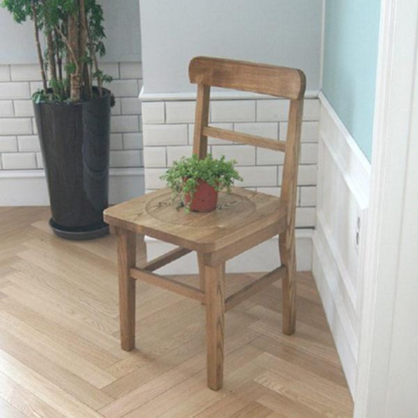 Bàn làm việc gỗ đẹp, thiết kế đẹp phù hợp với mọi không gian của mọi gia đình.