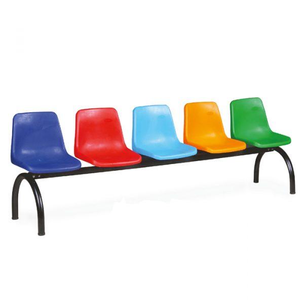Ghế có tựa đa dạng màu sắc, phù hợp với các trung tâm sinh hoạt của các bé.