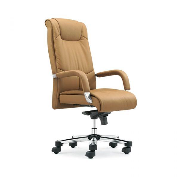 Ghế được lấy cảm hứng từ sự trang nghiêm của một người lãnh đạo thực thụ, đáp ứng được những yêu cầu của khách hàng.