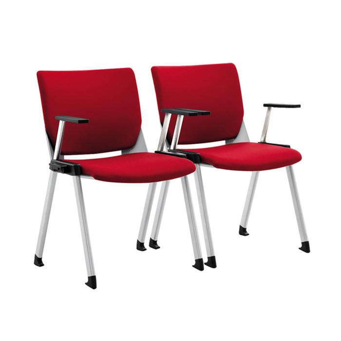 Sản phẩm thiết kế dưới đế chân có gắn thêm trụ nhựa giúp chống trầy xước mặt sàn và không gây tiếng động khi di chuyển, phù hợp cho nhưng văn phòng đòi hỏi sự nghiêm túc và tập trung cao.