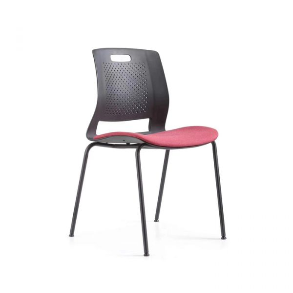 Tựa lưng trung hình cong có tiết diện rộng ôm trọn cơ thể người ngồi và kết hợp thiết kế có độ ngã nhẹ phần lưng về sau nâng đỡ cột sống an toàn, hạn chế mỏi mệt.